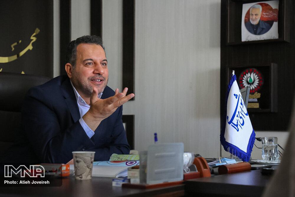بانکی پور: استاندار جدید باید رابطه خوبی با علما و بزرگان استان اصفهان داشته باشد