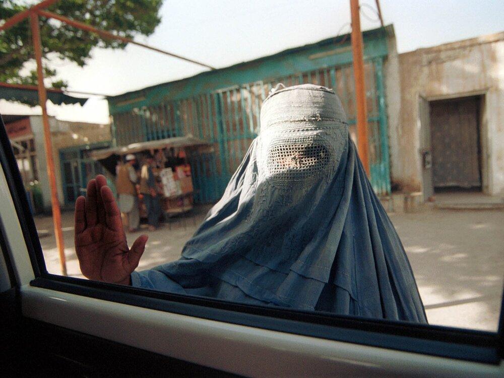 حجاب مورد نظر طالبان برای دختران در دانشگاههای افغانستان+ عکس
