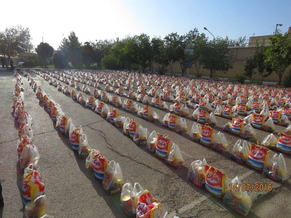 توزیع ۹۰۰ بسته معیشتی در سطح شهرستان نجف آباد