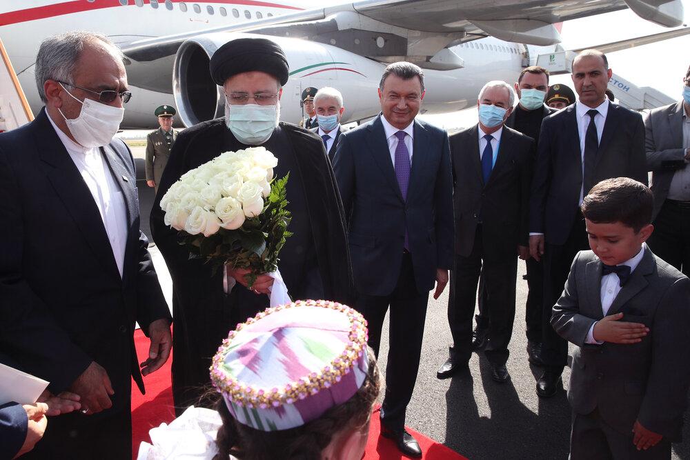 رئیسی وارد دوشنبه پایتخت، تاجیکستان شد