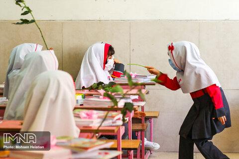 جزئیات بازگشایی مدارس از آبان ماه ۱۴۰۰