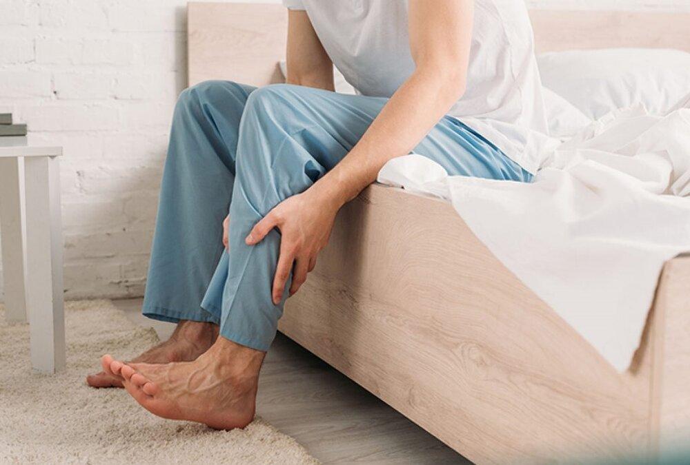 سندروم پای بیقرار چیست؟ + علائم، تشخیص و درمان