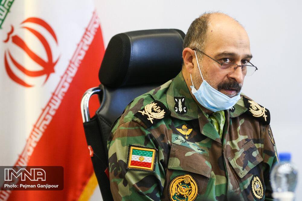 آذر افروز: ارتش و شهرداری اصفهان میتوانند تعامل خوبی با هم داشته باشند