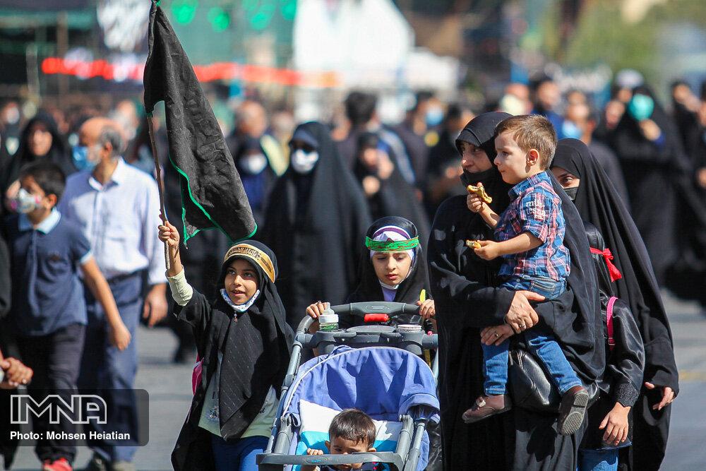 شهروندان اصفهانی در مسیر عاشقی