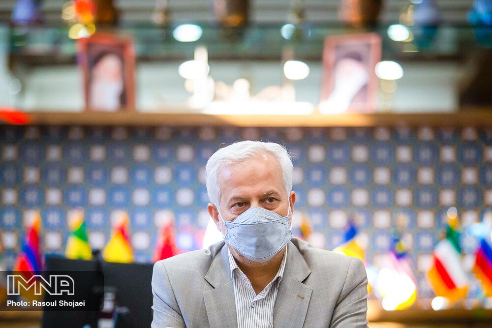 برای رفع مشکل زایندهرود عزم ملی وجود دارد/ ایجاد تمدنی نوین در اصفهان