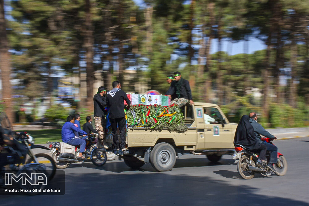مراسم تشییع پیکر شهید تازه تفحص شده
