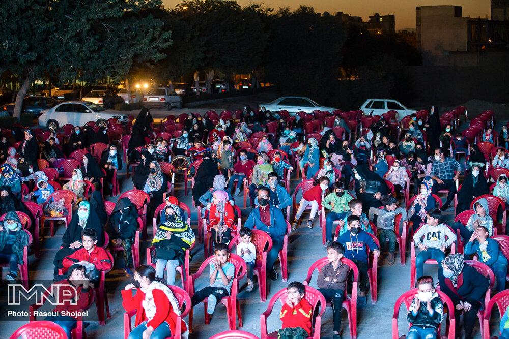 سینمای سیار جشنواره کودک در مناطق کم برخوردار