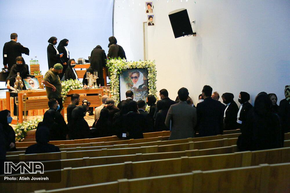 یادبود شیوا خسروی، وکیل دادگستری