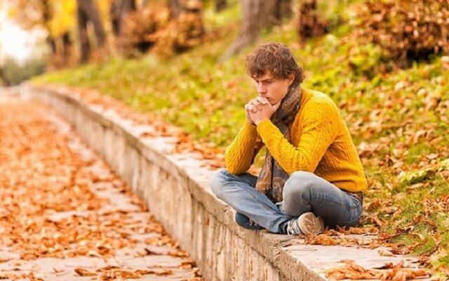 علت افسردگی پاییزی چیست؟
